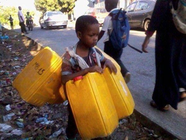 Comores: Mon voisin le chanceux; Pauvre de moi !